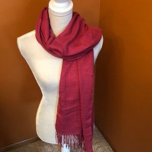 Casual Corner scarf/ wrap.  New. 33w x 70L